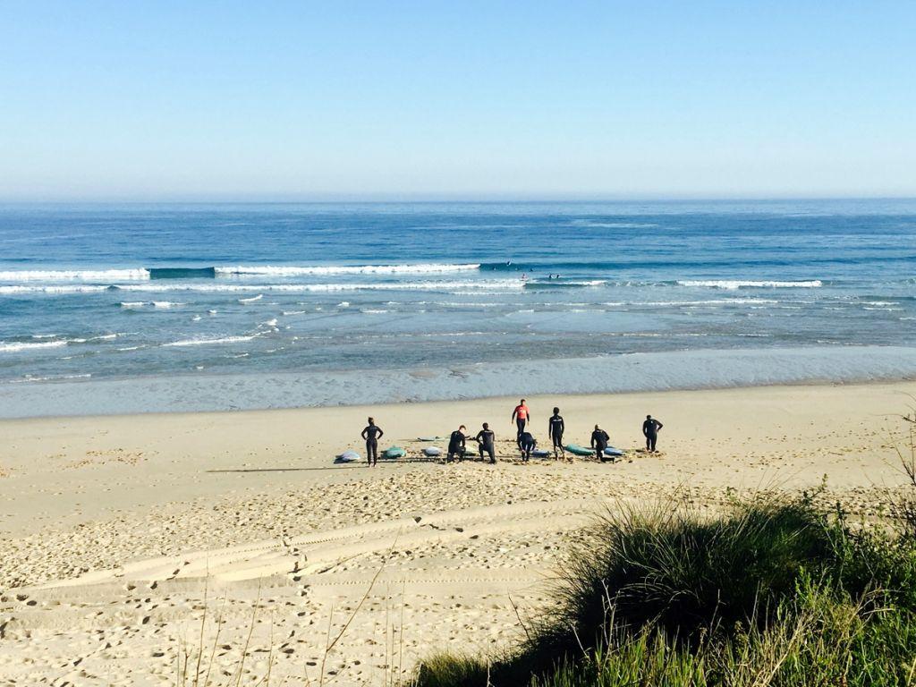 Campamento para hacer surf en Galicia - OrganizoTuViaje