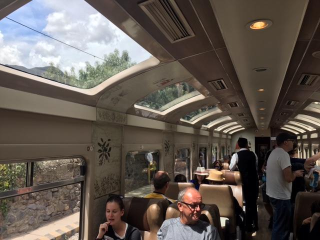 Viajar en tren para ir a Machu Picchu