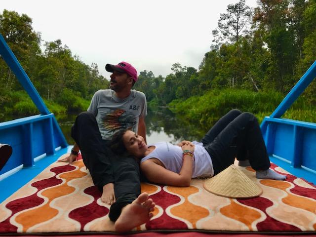Tour Borneo en klotok para ver orangutanes con agencia local 🥇